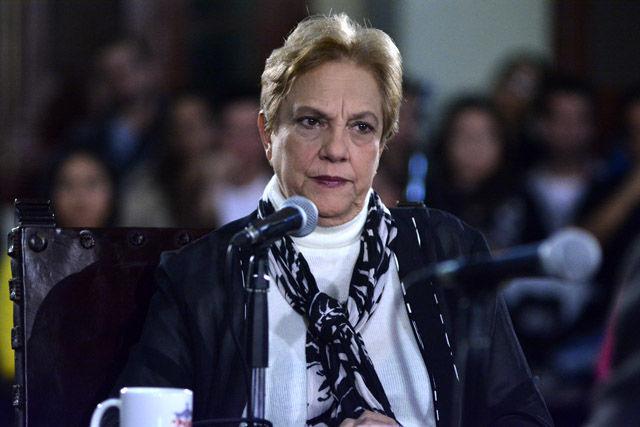 La doctora Norma Barrios Fernández, vicerrectora docente y de calidad de la Universidad de La Habana, refirió que la Universidad tiene una enorme tradición como formadora del sentido de nación.