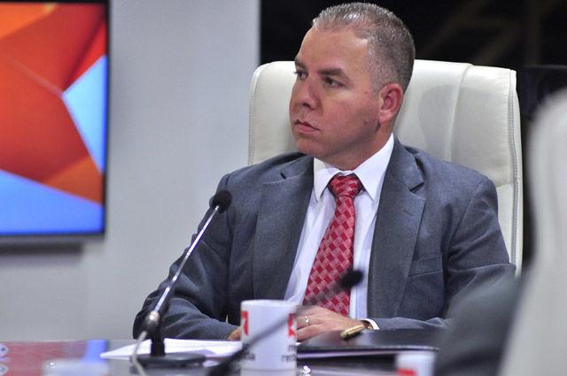 Vladimir Regueiro Ale, Director General de Política Fiscal indicó que los tributos aportan ya el 75 % del presupuesto del estado.