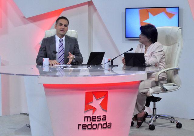 Este lunes  Comenzando la semana tuvo como centro de análisis a Perú y la actual renuncia de su ya expresidente Pedro Pablo Kuczynski.