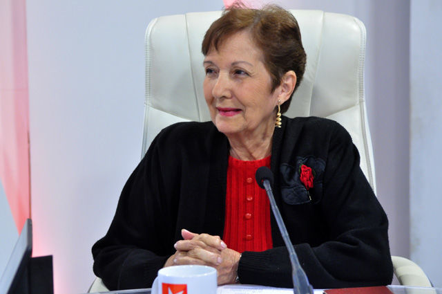 Elsa Claro Madruga, analista de temas internacionales fue la encargada del debate sobre la euroorden contra el expresidente catalán Charles Puigdemont.