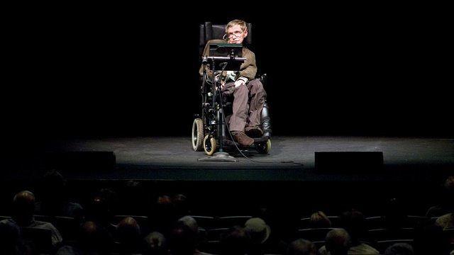 Muchos descubrimientos de Stephen Hawking revolucionaron la física teórica